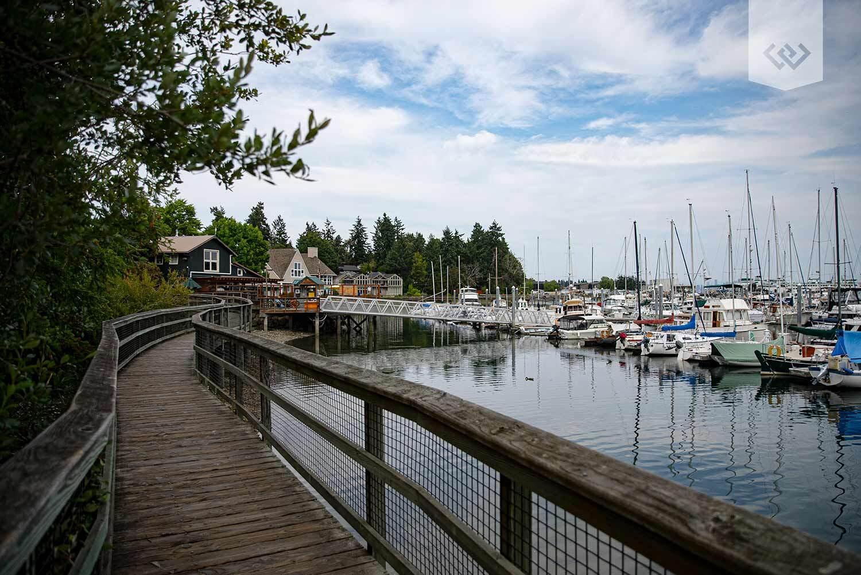 eagle-harbor-boardwalk-bainbridge-island