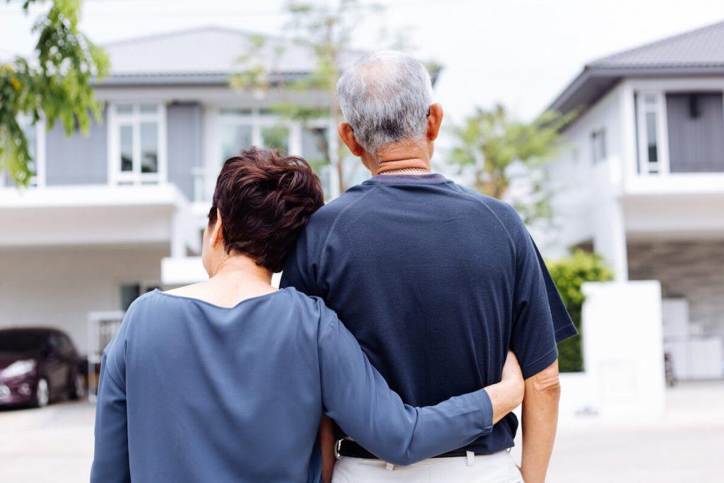 seniors-retiring-downsizing